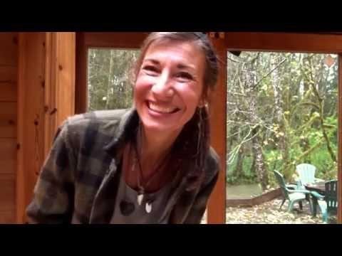 Filson Mackinaw Jacket Product Review by Nicole Apelian from Alone Season 2