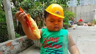 Trò Chơi Xe Máy Xúc – Máy Đào Đất Săn Cá ❤ ChiChi ToysReview TV ❤ Đồ Chơi Trẻ Em Baby Fish Excavator