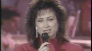 """Star Search - Linda Eder """"Out here on my own"""""""