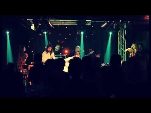 Acustica deLuxe - Acustica deLuxe - Vlasy vŕby (live)