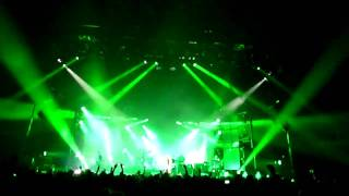 Faithless - Tweak Your Nipple / Insomnia (partially) (live @ Sportpaleis Antwerp 20-11-2010)