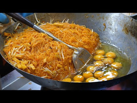 Most Famous Pad Thai - Thai Street Food