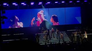Christina Aguilera - Keep On Singin My Song/Can't Hold Us Down (Los Angeles Oct 26, 2018)