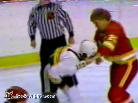 Ray Bourque vs. Willi Plett