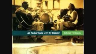 Ali Farka Toure & Ry Cooder - Soukora