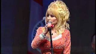 Dolly Parton Delivers Commencement Address at the University of Tennessee 2009