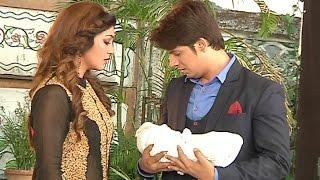 Santoshi Maa 28th December 2016 Dhairya Takes Away Santoshi's Baby - On Location News