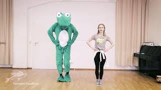 Kindertanz: Luisa und der Frosch: Treppensteigen