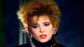 Mylène Farmer Au bout de la nuit Béart 87 Antenne 2 14 janvier 1987
