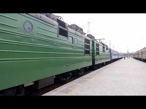 Прибытие ВЛ82м-043 на станцию Днепропетровск главный
