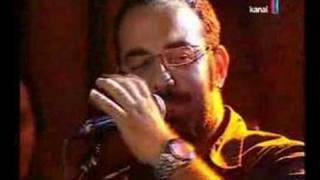 Volkan Konak Orhan Gencebay şarkısı Eşliğinde Hikaye Anlatıy