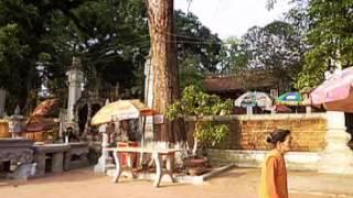 preview picture of video 'Đền Và thôn Vân Gia xã Trung Hưng TX SơnTây Hà Nội 2012'