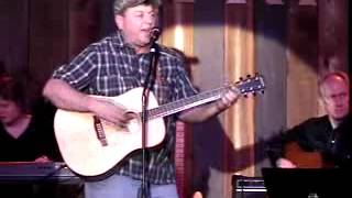 Chuck Wray performing  Lord Have Mercy on a Country Boy at the Kentucky Opry