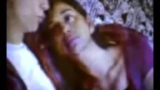 Download Video Ayu Azhari mesum sama brondong di tempat karaoke MP3 3GP MP4