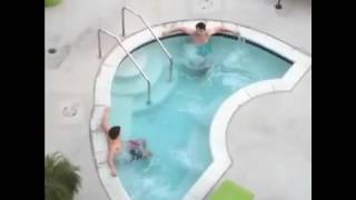 "Anthony Padilla ""Chillin in the Hot Tub"" Vine"