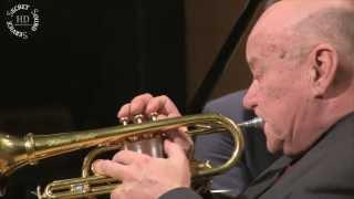 «J'adore le son du cornet» - video (1)