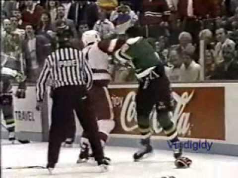 Kris King vs. Curt Fraser