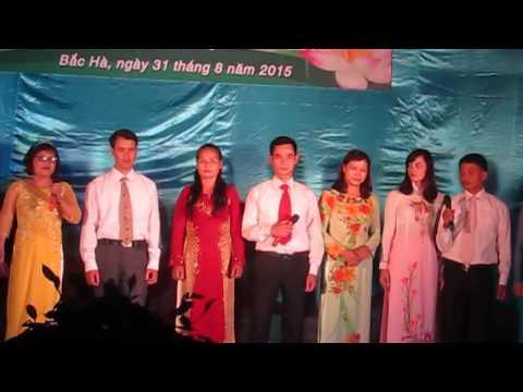 Tập thể phòng giáo dục tham gia văn nghệ chào mừng ngày 2/9/2015