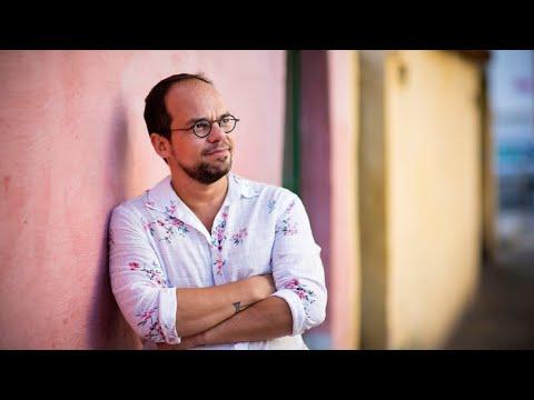 Marcelo Moutinho lança livro dedicado a Aldir Blanc