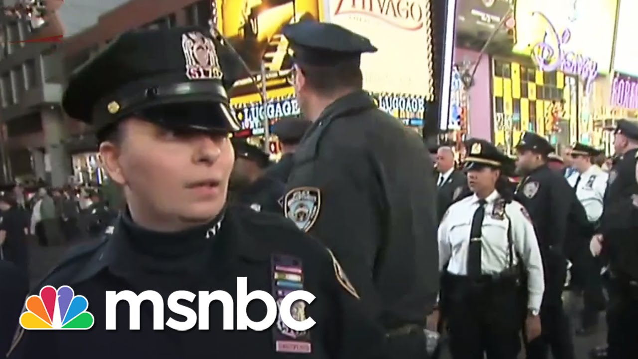 Protesters Clash With Police In New York City | Rachel Maddow | MSNBC thumbnail