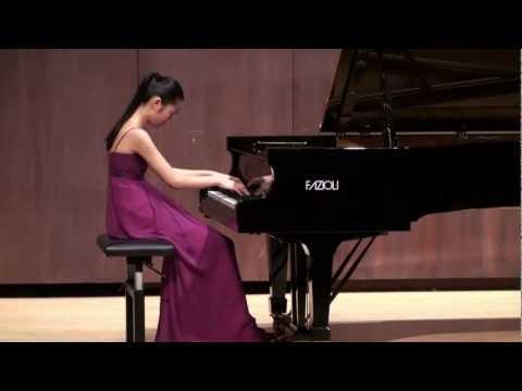 Tiffany Poon plays Beethoven Moonlight Sonata
