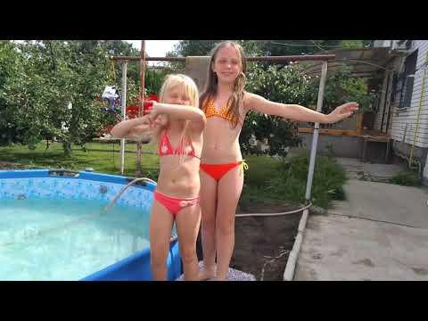 🦀  Наш обычный день купаемся в бассейне часть1🐬