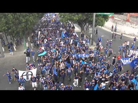 """""""La marcha de los más de 5000 (Gallos Blancos vs ranchuis) 02/04/2011"""" Barra: La Resistencia Albiazul • Club: Querétaro"""