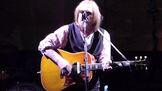 """Tom Petty and the Heartbreakers - """"Wildflowers"""" - Live (Austin, TX - 5/2/2017)"""