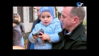 Дети сотрудников УФСИН взяли в руки оружие своих отцов