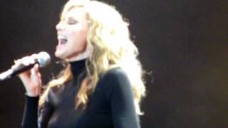 Faith Hill singing Wild One live at cmc rocks the hunter 2012