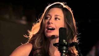 """Lera Lynn - """"Standing on the Moon"""" // The Bluegrass Situation"""