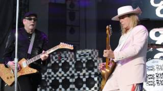Cheap Trick live in Chicago at FirstMerit Bank Pavilion - Lookout
