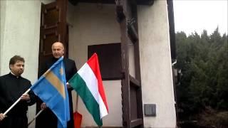 preview picture of video 'Balatonalmádi plébániáján is leng a székely zászló 2013.02.17.'