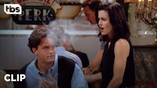 Friends - Friends: Chandler's Caught Smoking (Season 1)