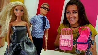 Barbie y Ken en la Tienda de juguete. Vídeos de juguetes para niñas