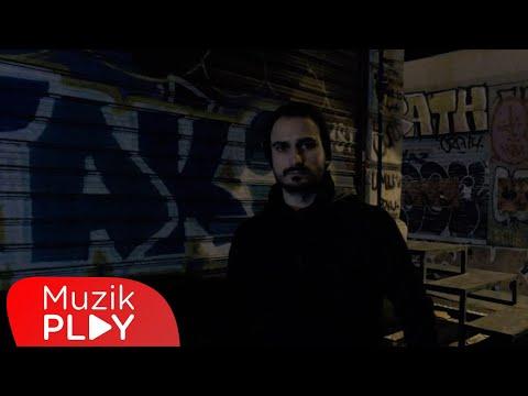 Emir Kurt - Düşmüşüm Yollarına (Official Video) Sözleri