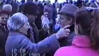 preview picture of video 'Břeclav 1989 - revoluce 8.část - setkání na státní hranici 2'