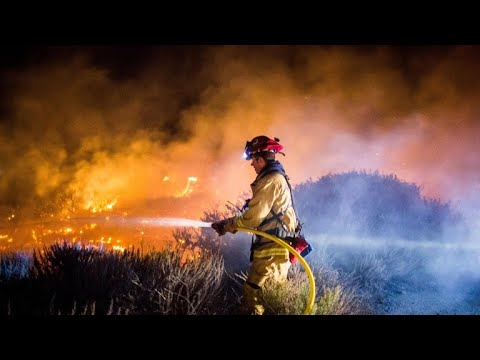 Thomas fire in Ventura County threatens homes