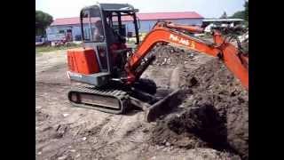 preview picture of video 'Výkopové a zemní práce minirypadlem PEL-JOB, Vodo-plasttop s.r.o., Mikulov'
