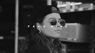 Gambar cover Tash Sultana 'Free Mind' (Official Video)