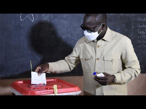 Bénin : le taux de participation, seul enjeu du scrutin Bénin : le taux de participation, seul enjeu du scrutin