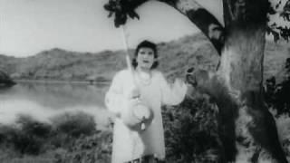 Zara Saamne To Aao Chhaliye - YouTube