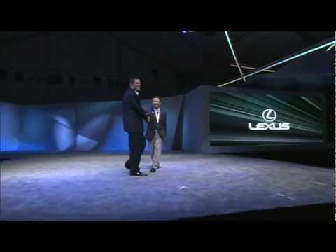 Lexus GS на конкурсе элегантности в Пеббл-Бич, Калифорния.