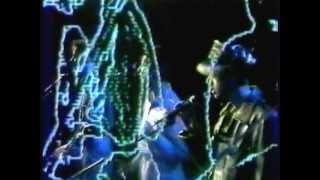Depeche Mode - Shout (Live At L'Echo Des Bananes 1982)