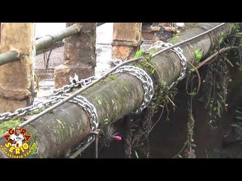 Sabesp de Juquitiba conserta adutora em cima da ponte do csu
