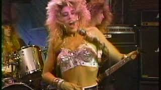 Femme Fatale (Loraine Lewis) Waiting For The Big One (Rare Live) (MTV MOUTH TO MOUTH 1988)