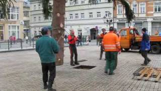 preview picture of video 'Aufbau Weihnachtsmarkt Annaberg-Buchholz 2009'