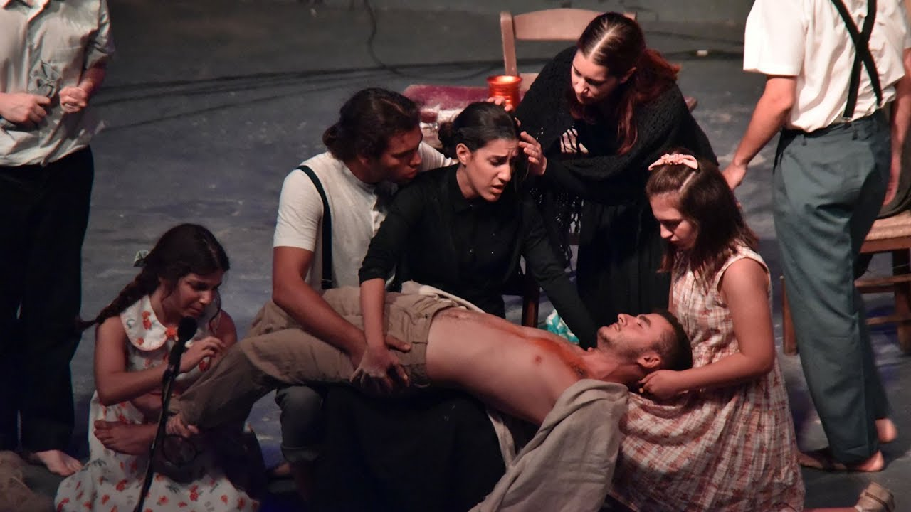 45ο Φεστιβάλ ΚΝΕ Οδηγητή - Θεατρική παράσταση «Τα τουφέκια της κυρά Καράρ»