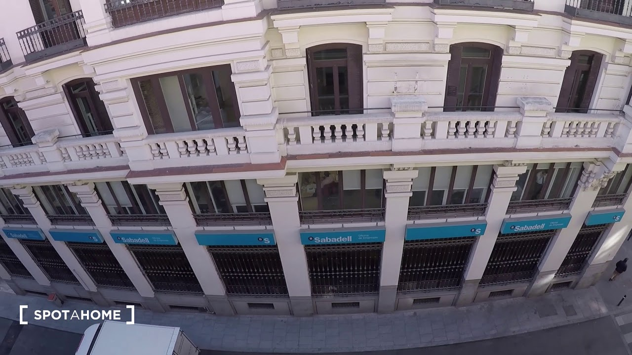 1-bedroom apartment for rent near Metro in central Chueca