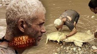 Jeremy Catches A 161lbs (73kg) Goonch Catfish | River Monsters